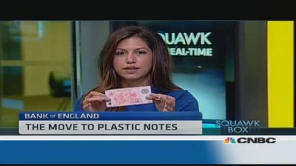 UK gears up for move to plastic banknotes