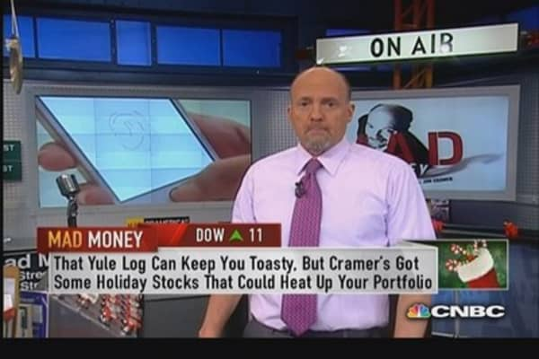 Apple 'incredible' holiday play: Cramer