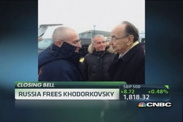 Russia frees Khodorkovsky