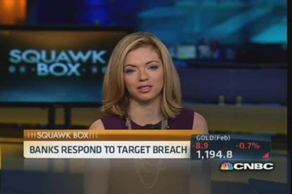 Banks respond to Target data breach