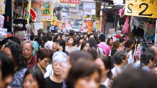 Crowd on Tung Choi Street (Ladies Market), Hong Kong, China.