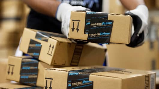 Amazon is said to test delivery service to rival FedEx, UPS