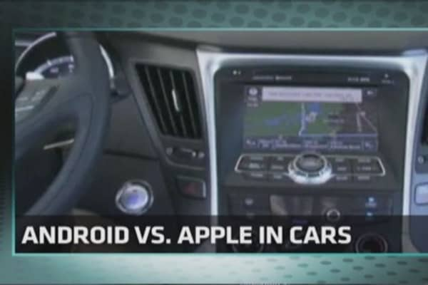 Tech Yeah! Apple vs. Google road race