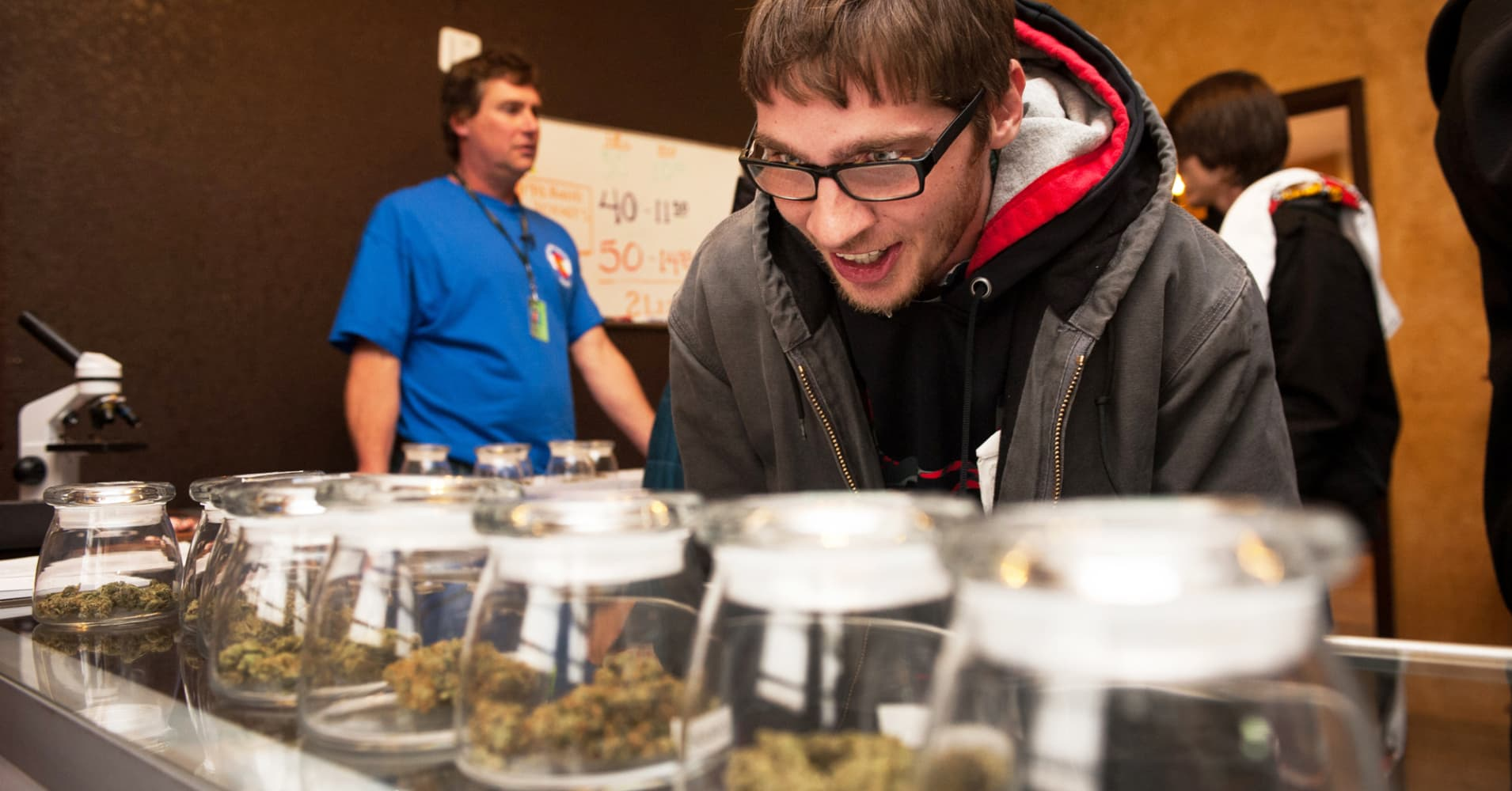 Colorado legal pot industry sales grew 3 percent in 2018, top $6 billion since recreational use began