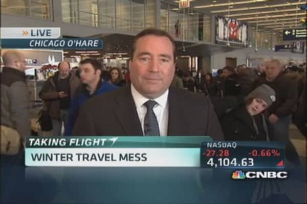 Winter travel mess: Mass flight cancellations