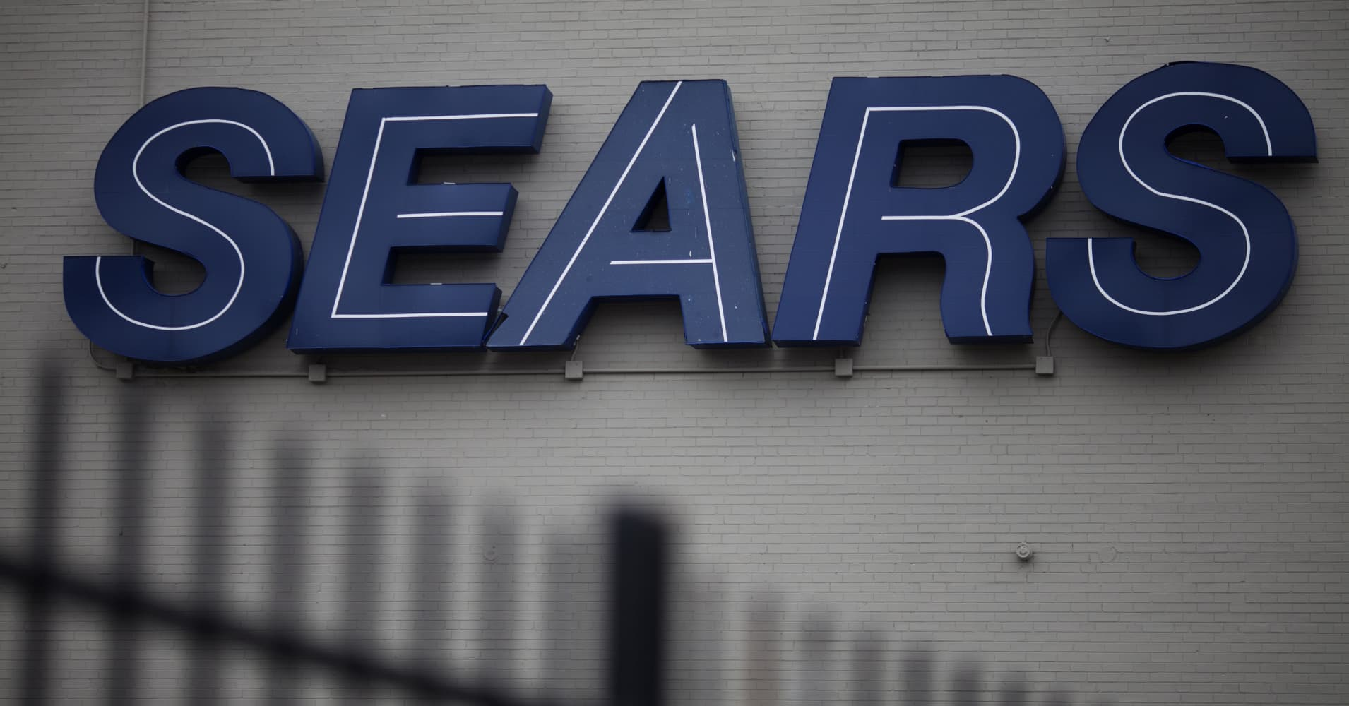 Sears was 'toast' ever since its 2005 Kmart merger, says former Sears Canada CEO