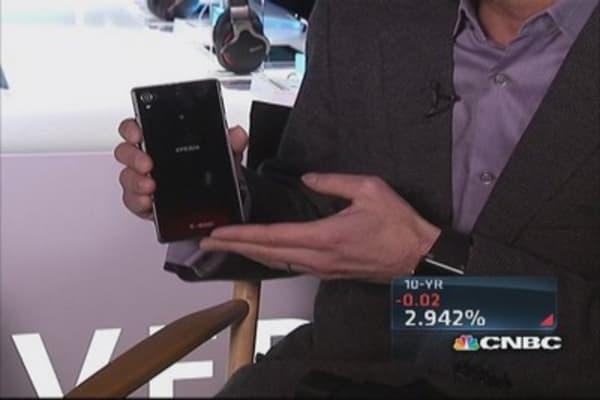 Sony CEO unveils Xperia Z1s