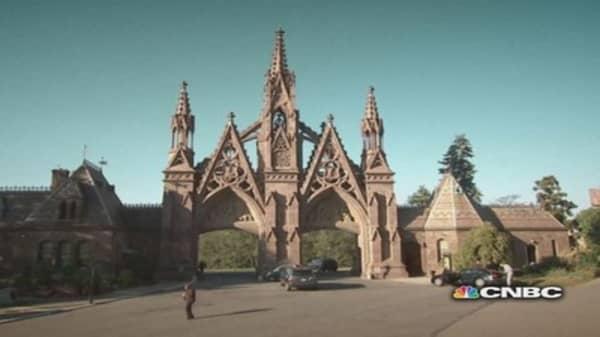 Lawyer Digs Up New Job at a Graveyard