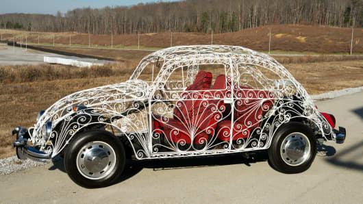 Upon seeing a converted wrought-iron bodied Beetle being used for private weddings around Mexico in the 1960s, Volkswagen de Mexico built two more to be used as display vehicles for its sponsorship of the 1968 Olympic Games. The vehicle on display at the LeMay museum was built on a new 1968 chassis and given to the United States Northeast distributor.