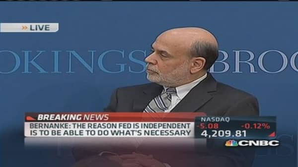 Bernanke joke takes swipe at critics