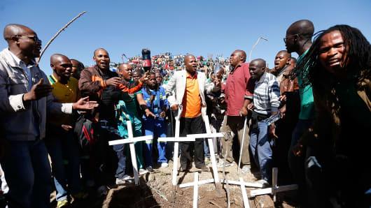 AMCU leader Joseph Mathunjwa addresses miners in August, 2013