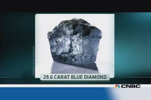 Flawless blue diamond found in South Africa
