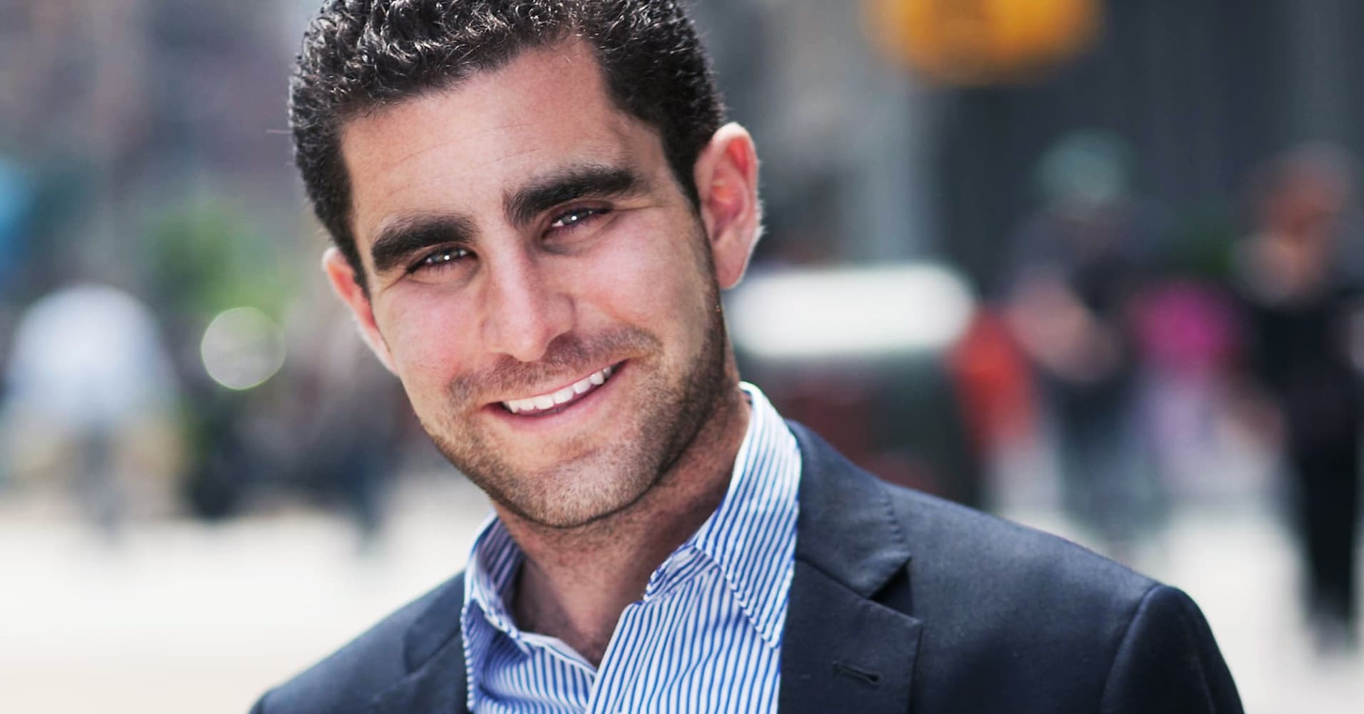 https://fm.cnbc.com/applications/cnbc.com/resources/img/editorial/2014/01/27/101366973-Charlie_Shrem_2013.1910x1000.jpg