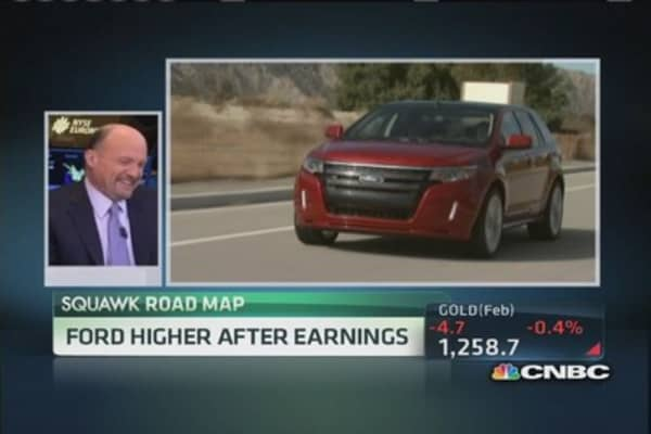 Cramer: Ford brimming with cash