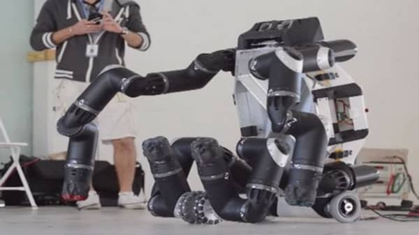 Geeked out: High-tech robots