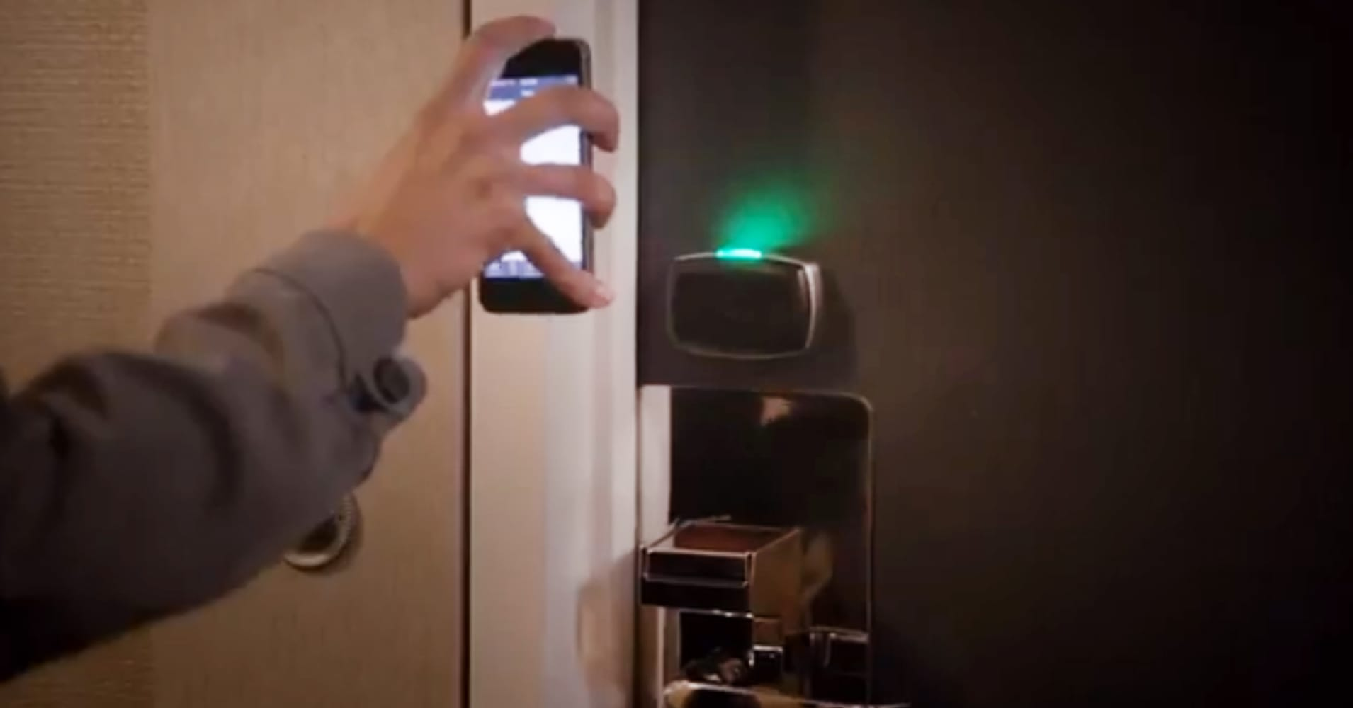 Technology Management Image: Hotels Testing Keyless Entry Via Smartphone App