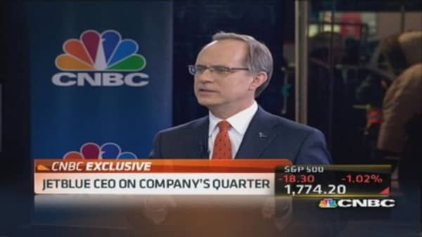 JetBlue CEO: Revenue environment strong
