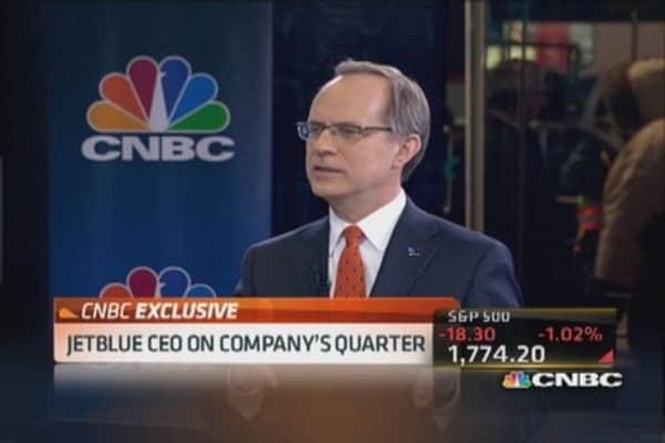 JetBlue CEO: Revenue environment strong