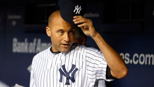 Derek Jeter announces next season will be his last.