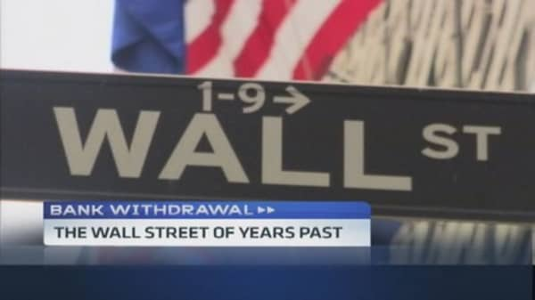 Bank Withdrawal: Wall Street analysts walking away