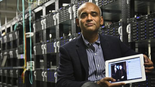 CEO Chet Kanojia shows a tablet displaying Aereo's technology.