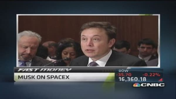 Elon Musk seeks space competition