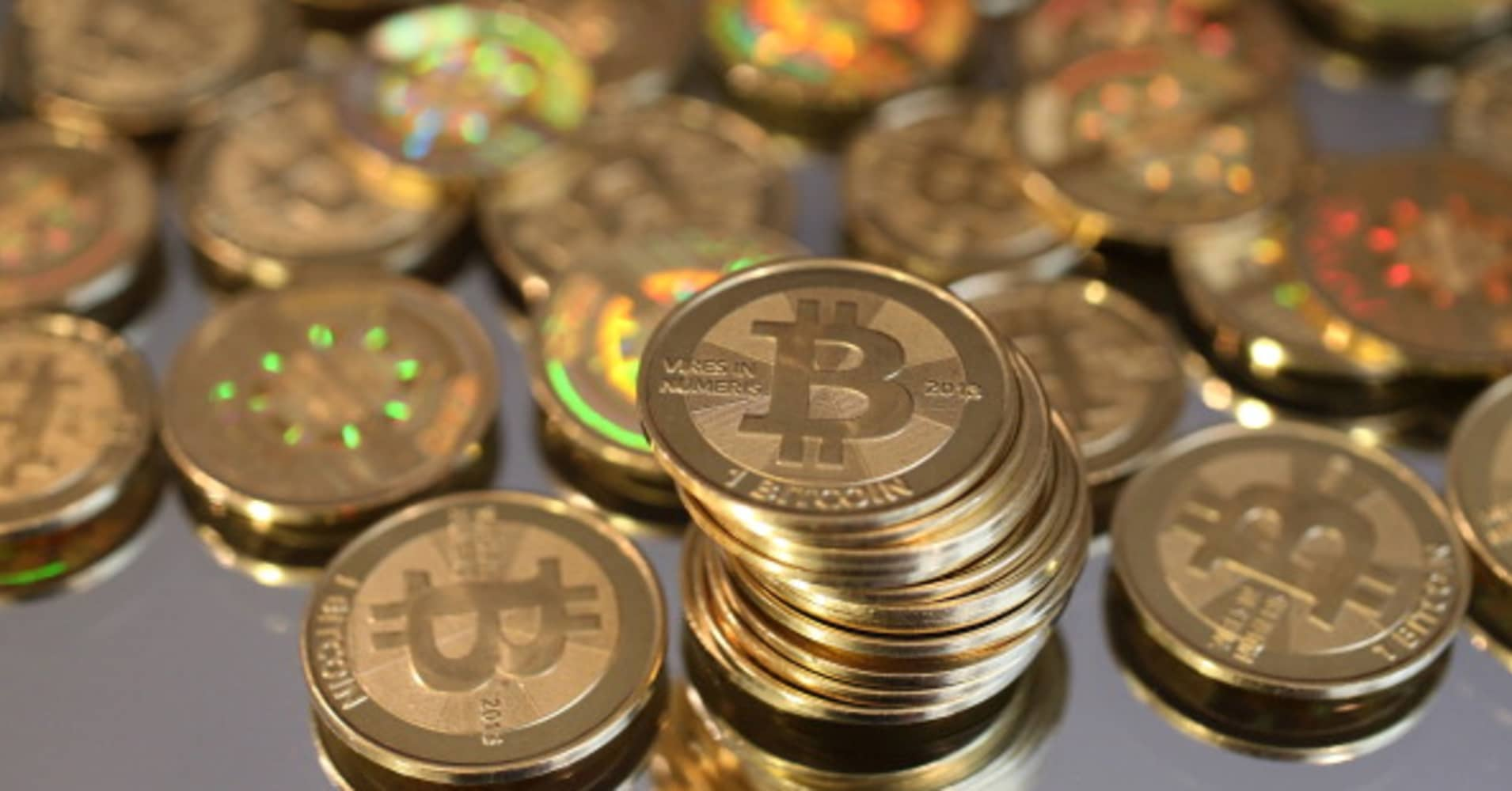 Bitcoin rallies to hit a one-month high but experts warn of a volatile upcoming event - CNBC