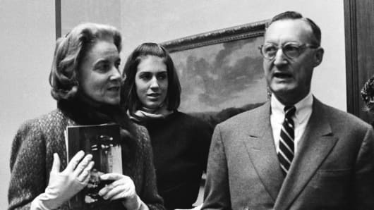 Paul Mellon, of Virginia, his wife Bunny Mellon, left, and stepdaughter Eliza Lloyd at preview of the Mellon's collection of English Art at the Royal Academy in London on Dec. 11, 1964.