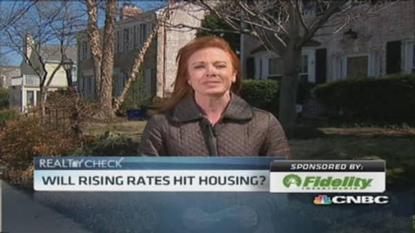 Existing home sales slip 0.4%
