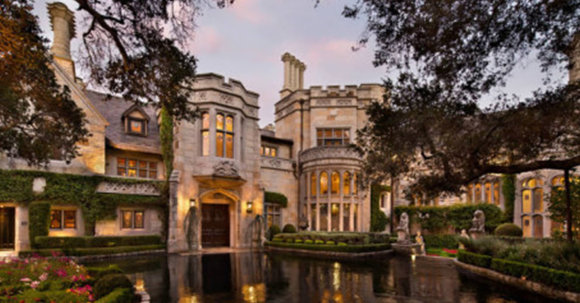 a big for sale for the biggest houses on the market - Biggest House In The World 2014