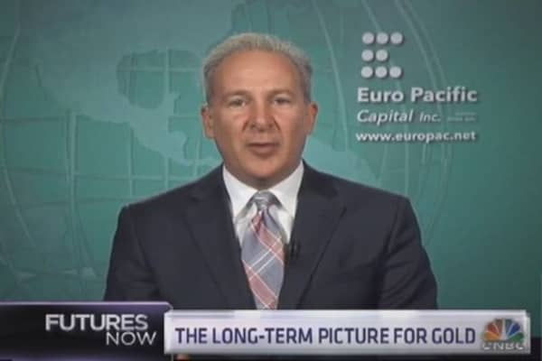 Peter Schiff and Mark Dow do battle on gold