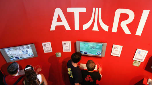 Video game icon Atari is emerging from bankruptcy to jump into the world of social casino gaming.