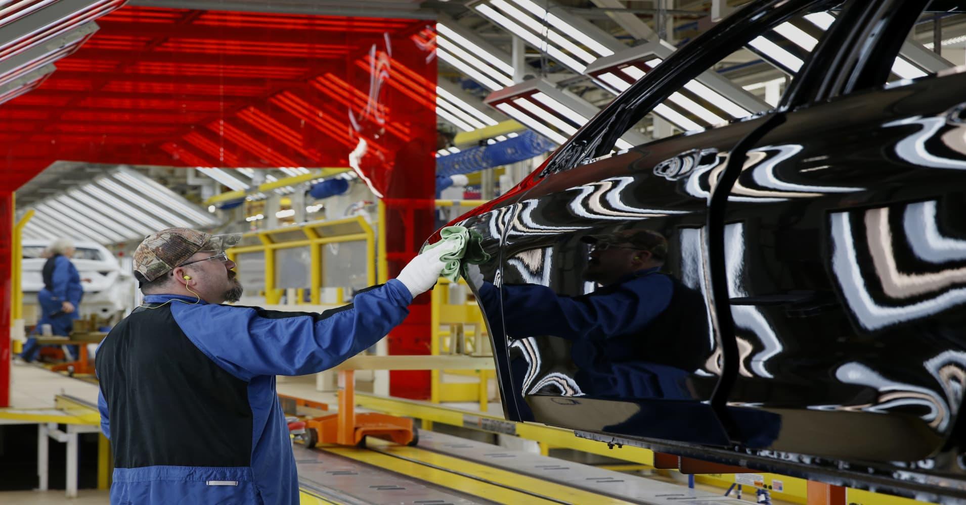 ECRI's Lakshman Achuthan turns sour on US economy, growth