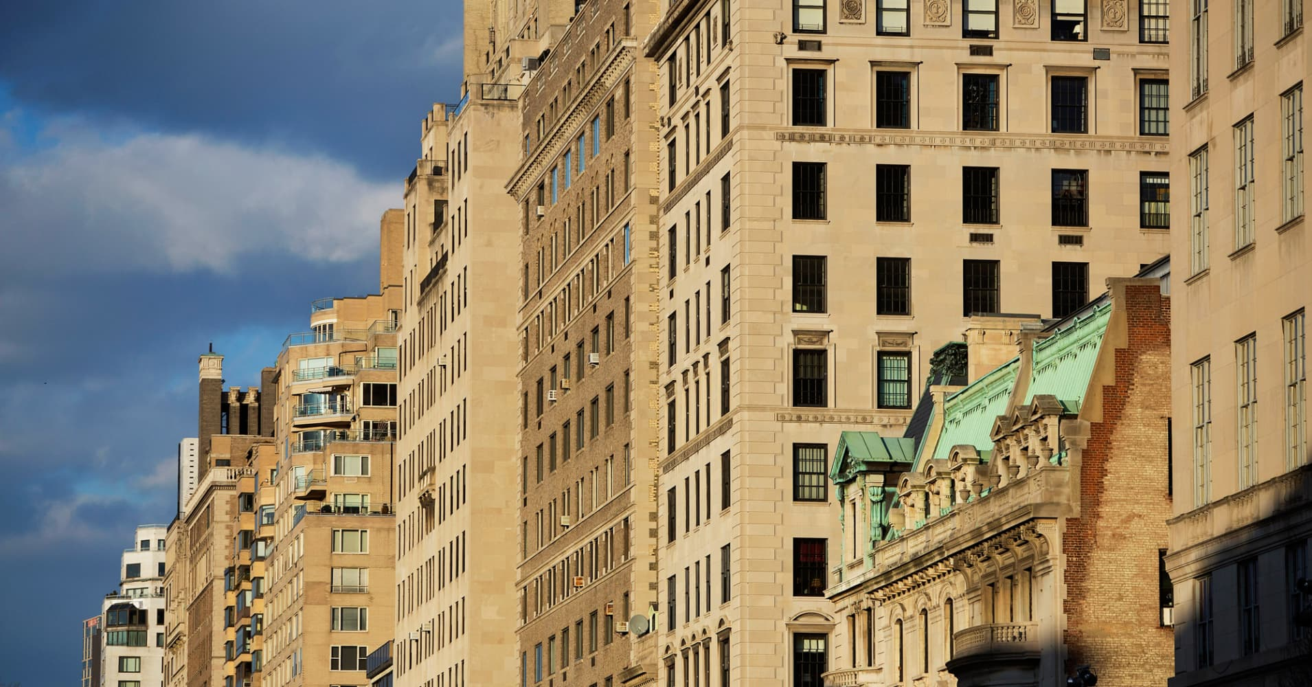 New York apartment prices hit record