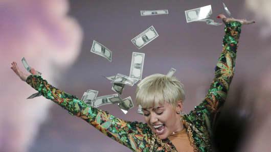 sr-MileyCyrus-07.JPG