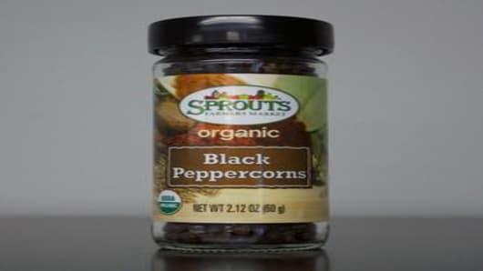 Sprouts Farmers Market Organic Black Peppercorns