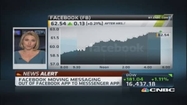 Facebook moves messaging out of app