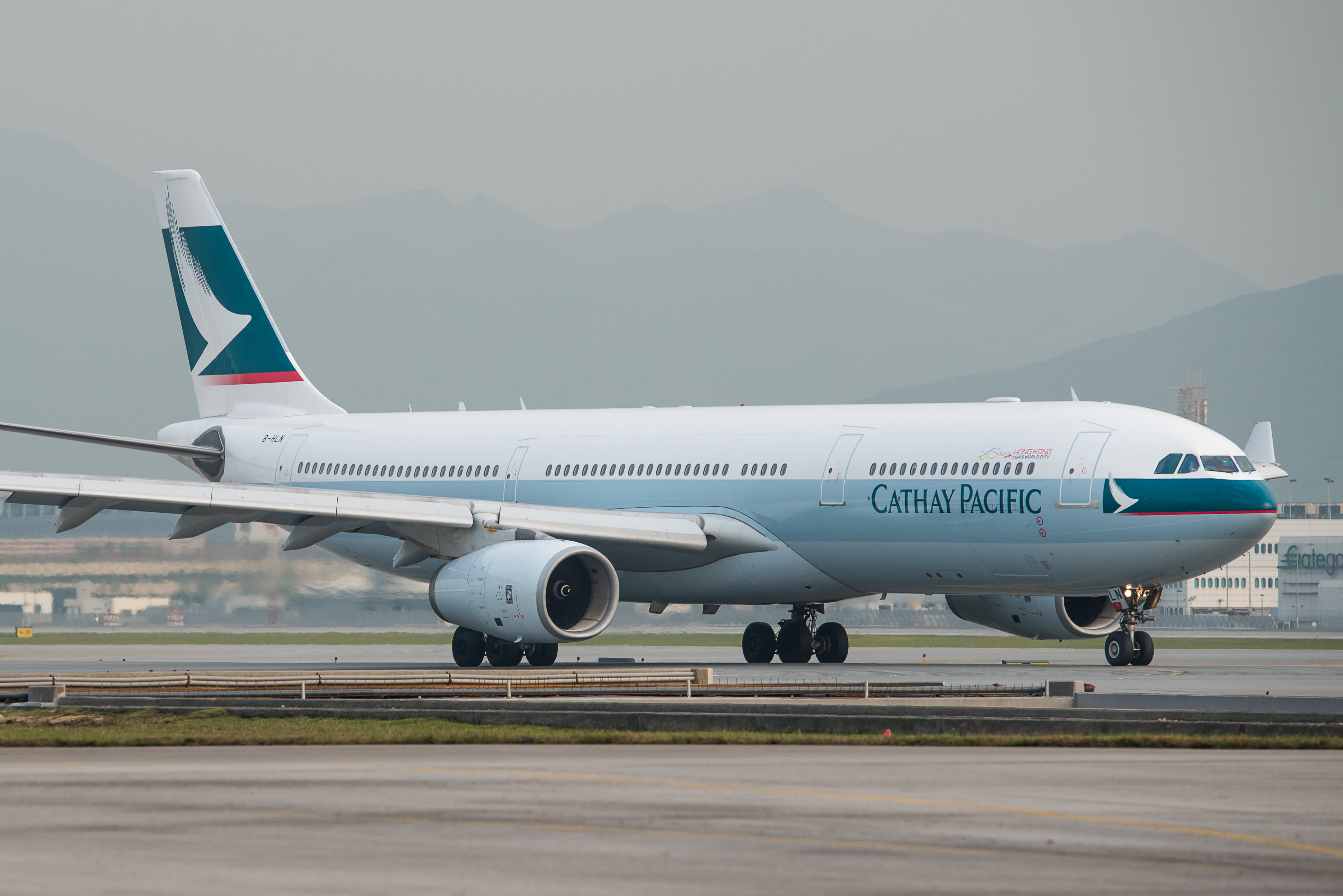 Cathay Pacific A350-900 Business Class - Regional HKG-TPE