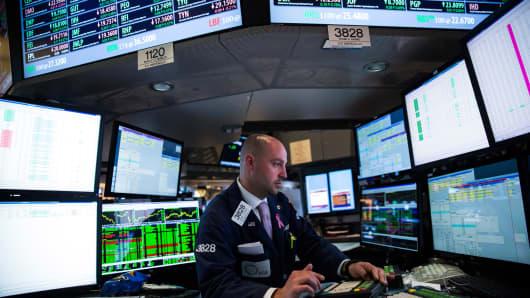 484172193AB010_Stocks_Rise_