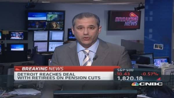 Detroit reaches pension cuts deal