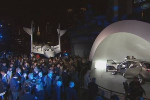 Land Rover teams up with Virgin Galactic
