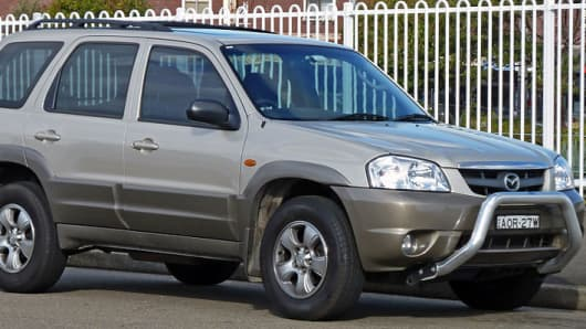2001–2004 Mazda Tribute wagon.