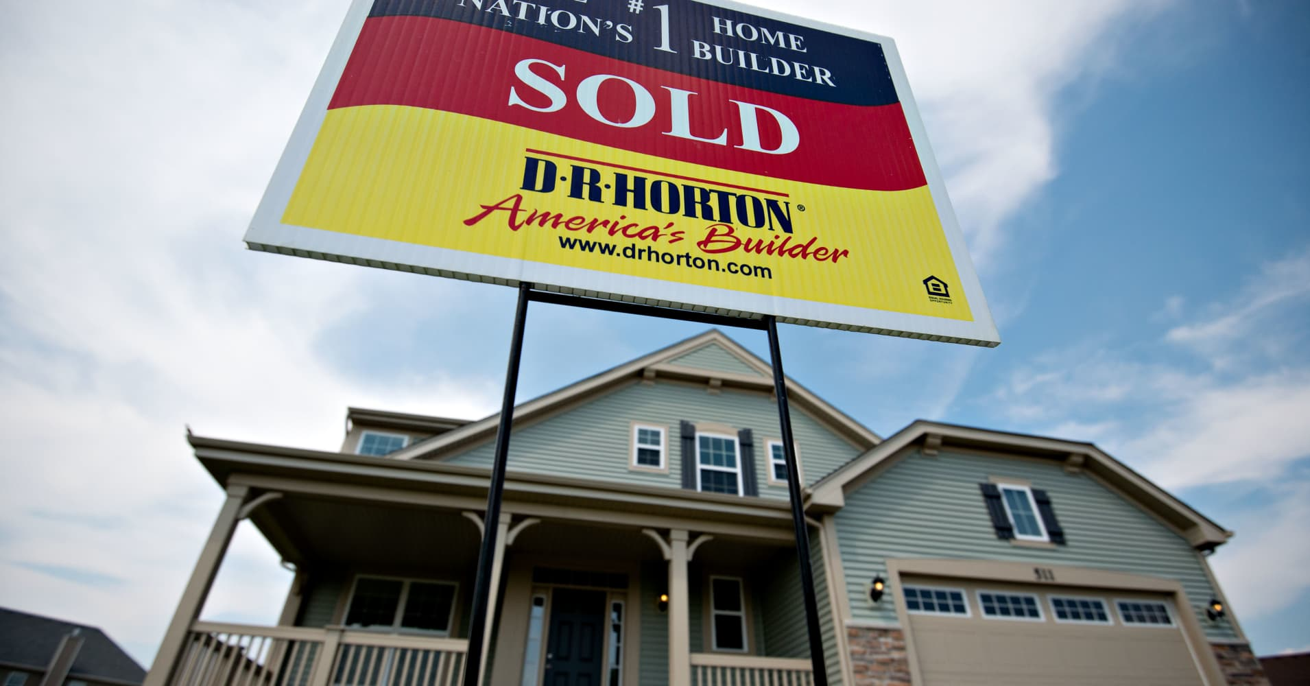 DR Horton to rally nearly 15% due to booming housing market, Credit Suisse says