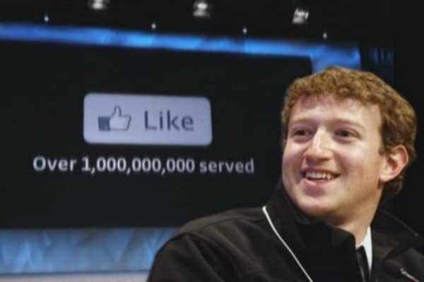 Mark Zuckerberg's Facebook leads social revolution