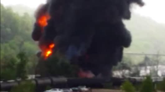 Still from video of train derailment in Lynchburg, Va.