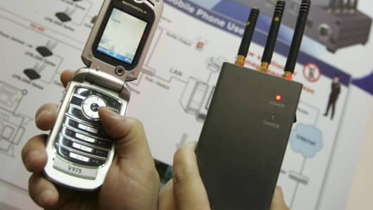 A portable pocket-sized cell phone jammer CPB-2000P.