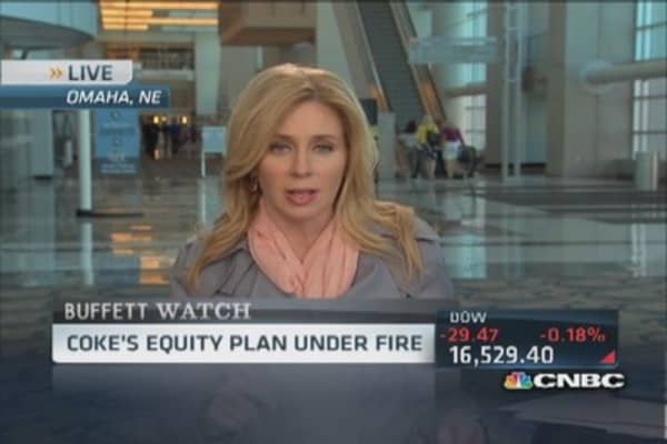 Buffett 'not spoken' with Coke directors since vote