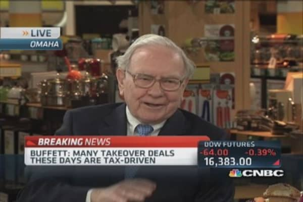 Tax reform could cause one hell of a fight: Buffett