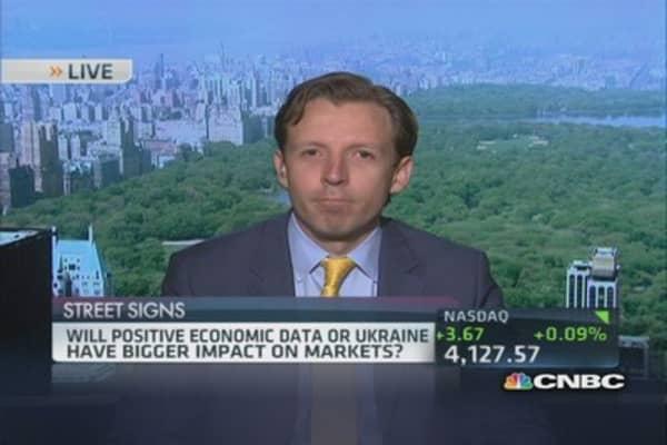 Economy getting stronger: Pro
