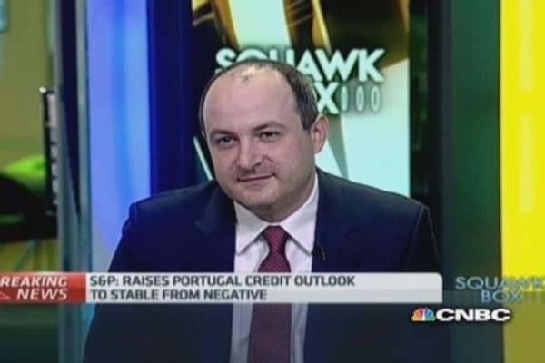 S&P raises Portugal's credit outlook